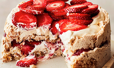 Strawberry & hazelnut meringue cake