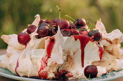 image of cherry pavlova