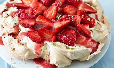 Strawberry pavlova with mint sugar