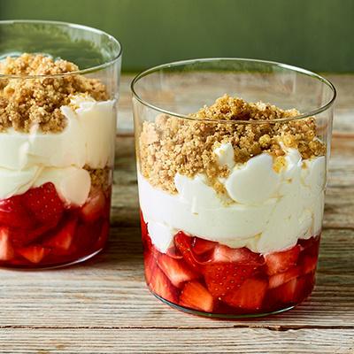 Strawberry cheesecake pots