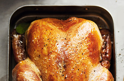 Image of turkey in a roasting tin