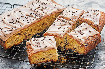 Banana chocolate chip cake with cacao frosting