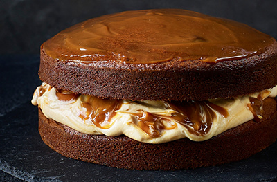 Spiced sticky toffee sandwich cake