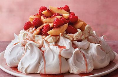 Pavlova with nectarines and raspberries