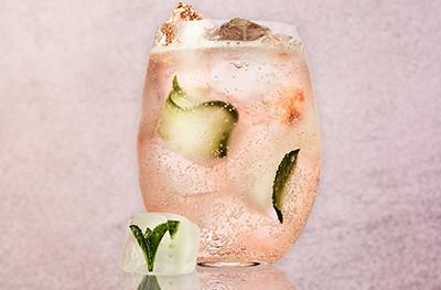 Summer rosé spritz